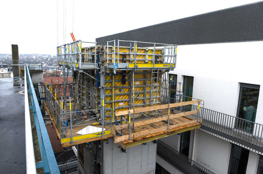 entreprise-loi.fr construction de la tour d'ascenseur du CHU kremlin bicêtre